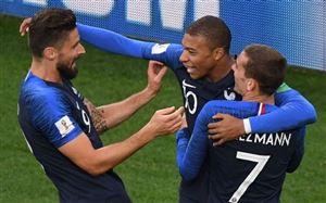 Pháp vô địch: HLV Deschamps làm nên lịch sử, Mbappe xứng danh tiểu Pele còn Giroud thì…