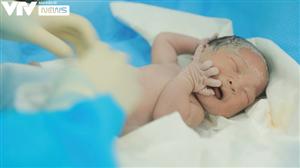 VTV Đặc biệt Ngày con chào đời: Xúc động khoảnh khắc các sinh linh bé nhỏ ra đời nơi tâm dịch
