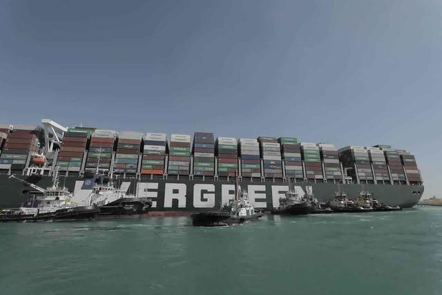 Kênh đào Suez lưu thông trở lại sau khi tàu Ever Given được tự do