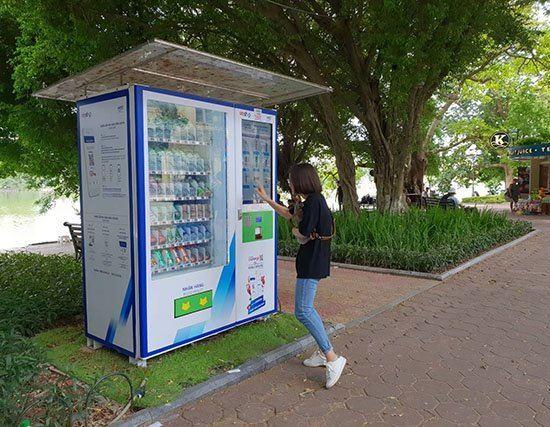 Hà Nội lắp 1.000 máy bán hàng tự động ở các điểm công cộng tại những quận nội thành
