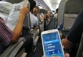 Chấn chỉnh việc sử dụng điện thoại trên máy bay