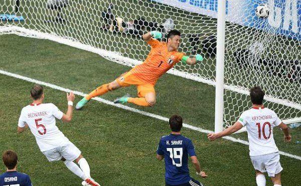 Goal-line hỗ trợ Nhật Bản vào vòng trong, dù thua Ba Lan 0-1