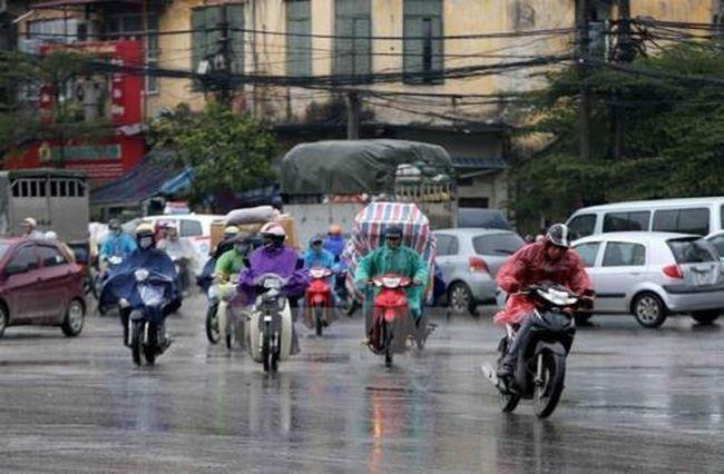 Không khí lạnh kết hợp bão số 13, Hà Nội và các tỉnh Bắc Bộ có mưa, trời rét