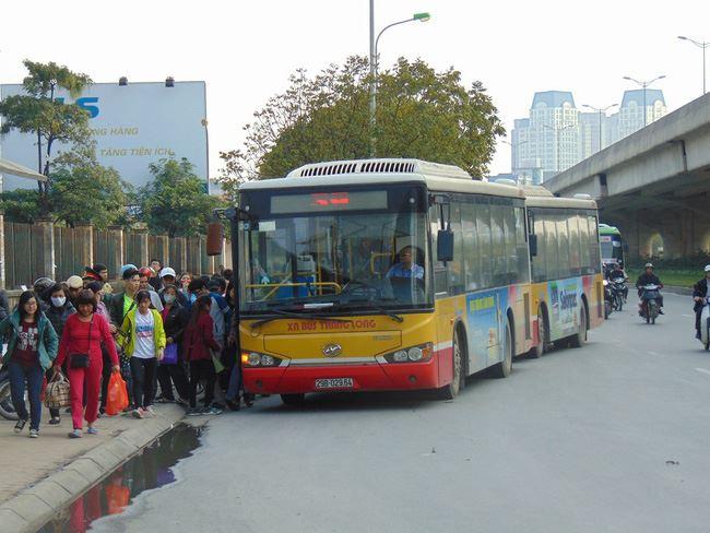 Hà Nội điều chỉnh lộ trình 19 tuyến bus trong thời gian diễn ra Đại hội XIII của Đảng