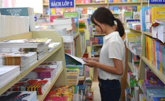 Hà Nội phê duyệt danh mục sách giáo khoa lớp 2, lớp 6 năm học 2021 - 2022