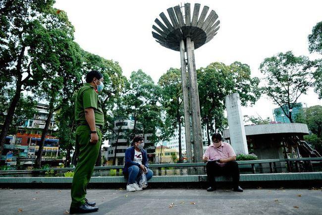 Từ 27/4, TP Hồ Chí Minh xử phạt người dân không đeo khẩu trang ở nơi công cộng