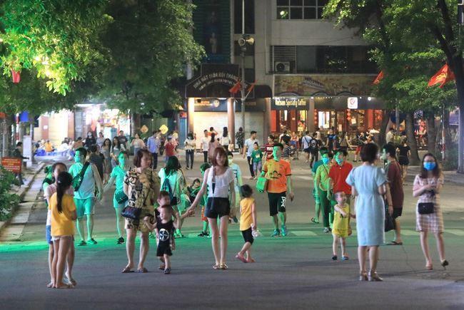 Hà Nội dừng các hoạt động lễ hội, phố đi bộ