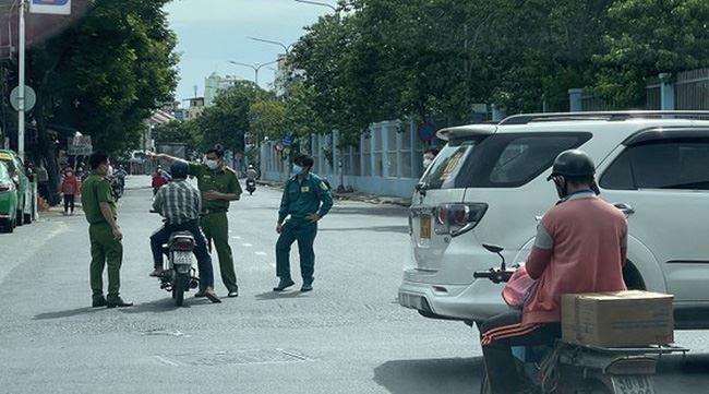 TP Hồ Chí Minh quy định 5 trường hợp cụ thể được phép đi lại trong khung giờ 18h00 - 6h00