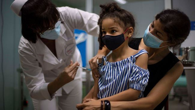 Trẻ em - mục tiêu mới trong chiến dịch tiêm phòng COVID-19 toàn cầu