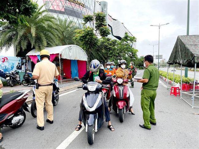 Đối tượng nào được cấp mã QR code để di chuyển từ TP Hồ Chí Minh đến các tỉnh thành khác?