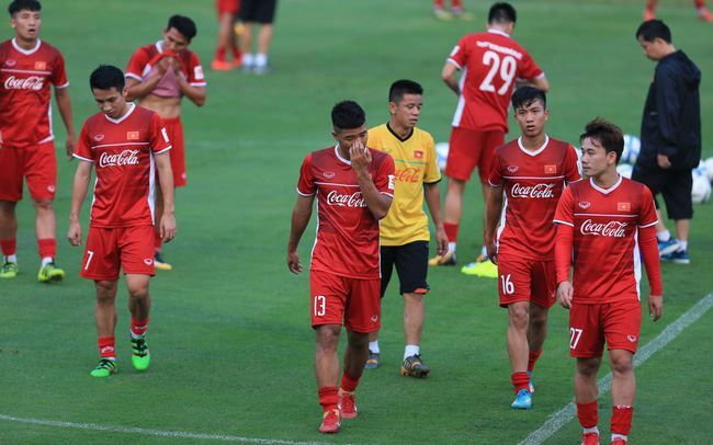 Next Media tuyên bố khởi kiện đơn vị nào tùy tiện tiếp sóng AFF Cup 2018 trên truyền hình trả tiền