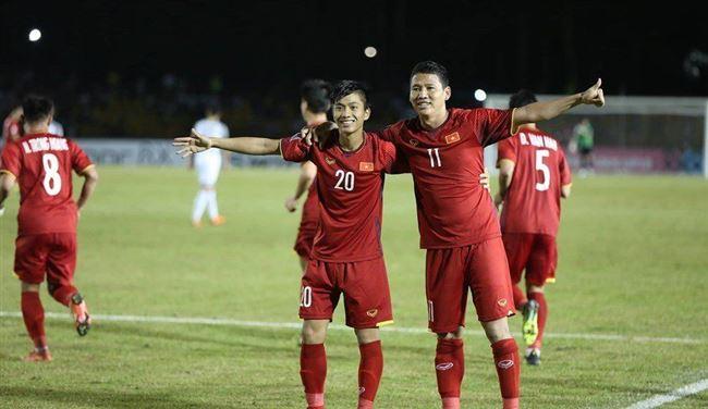 Vé chợ đen tăng chóng mặt sau khi Việt Nam thắng Philippines trên sân khách