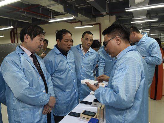 Phó Thủ tướng chỉ đạo thực hiện chủ trương tại Nghị quyết về ưu đãi thuế ngành CNTT